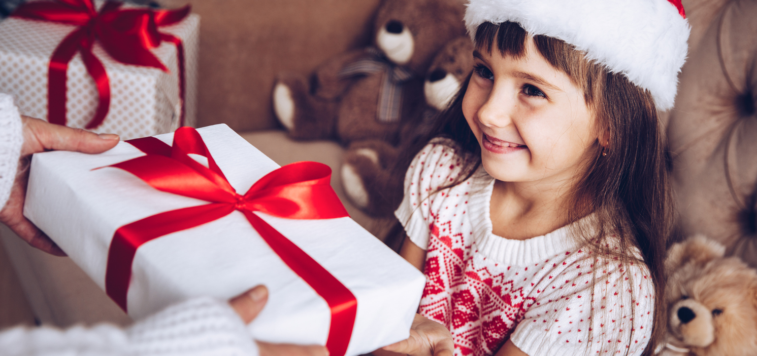 Financial Gifts You Can Give Your Kids This Holiday Season